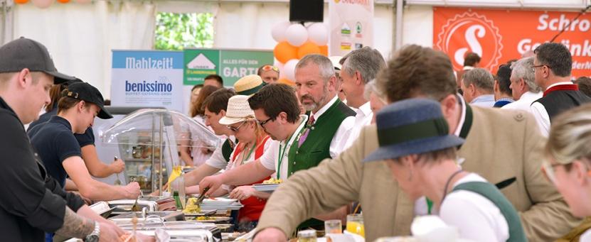 Das Team der Benissimo-Buffet-Catering GmbH – ein Tochterunternehmen der Lebenshilfe Ennstal – bewirtete hunderte VIP-Gäste und Corso-TeilnehmerInnen.